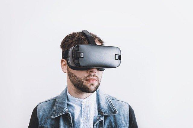 VR 男性2
